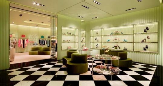Imprese pulizie verona per la pulizia di negozi e centri for Ambienti design verona